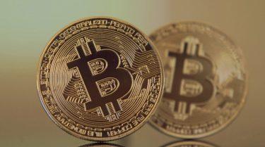 ビットコインが高騰!1BTCが700万円を突破
